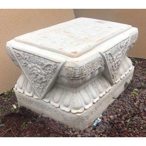 Foo Dog Pedestal Concrete Plinth / Stand